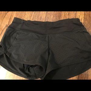 Lululemon Black Speed Up Shorts Size 4